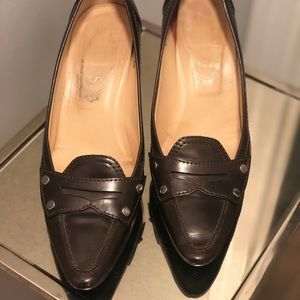 Tod's brown saddle leather pumps (8.5M)